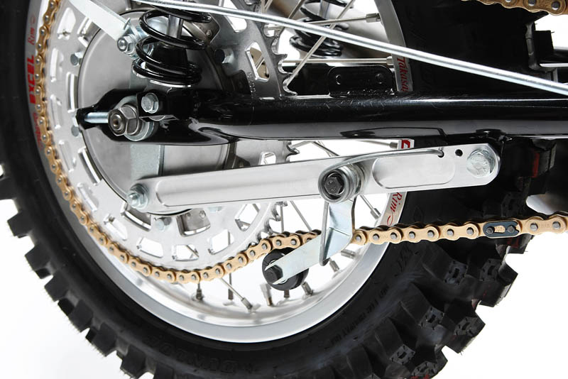 This aftermarket chain tensioner keeps the chain from derailing.