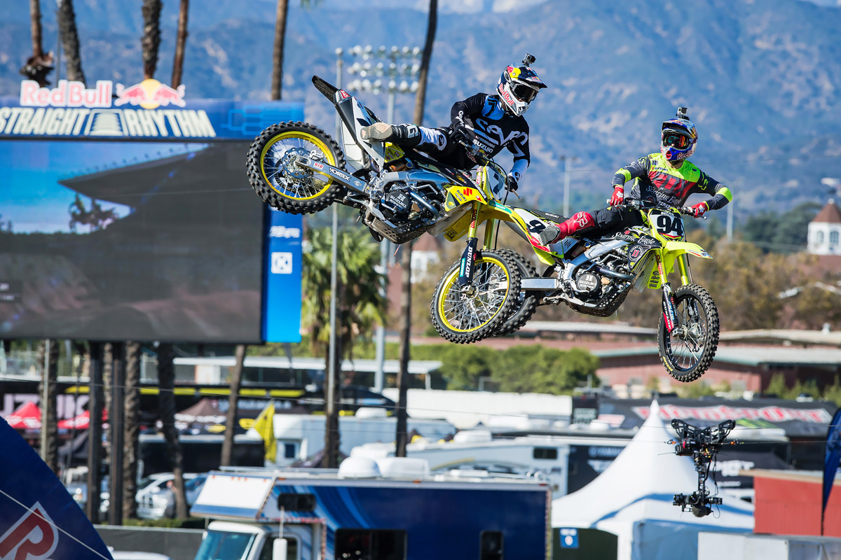 Stewart and Roczen had a good battle in the first run of the finals.