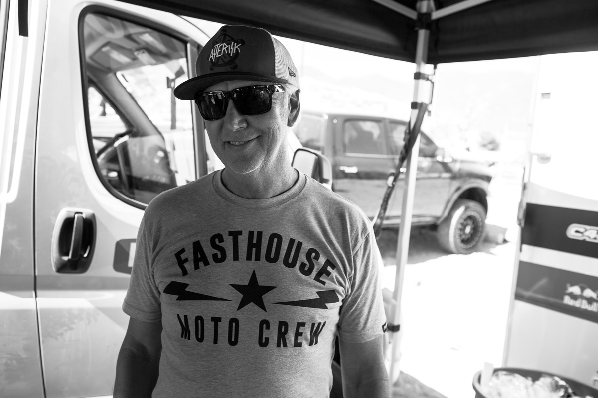 Jim Castillo stopped by the Fasthouse rig to hang out.