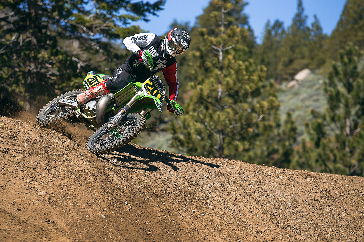 "Two-Stroke Tuesday Throwback | Mammoth Motocross With ""The Beast"""